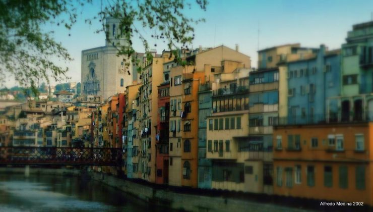 Casas Colgadas sobre el río Onyar (Girona) ESPAÑA