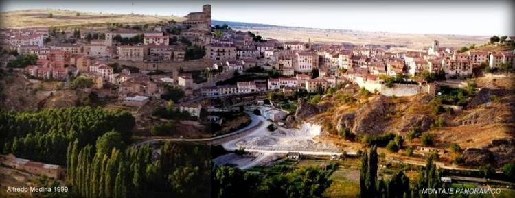 Sepúlveda , desde el mirador de Zuloaga. (Segovia) ESPAÑA